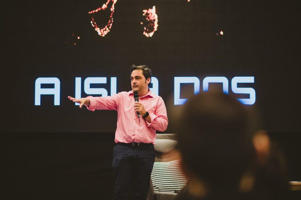 Francisco Mesa presenta el libro Emprendedores de Canarias en Tecnológica SC